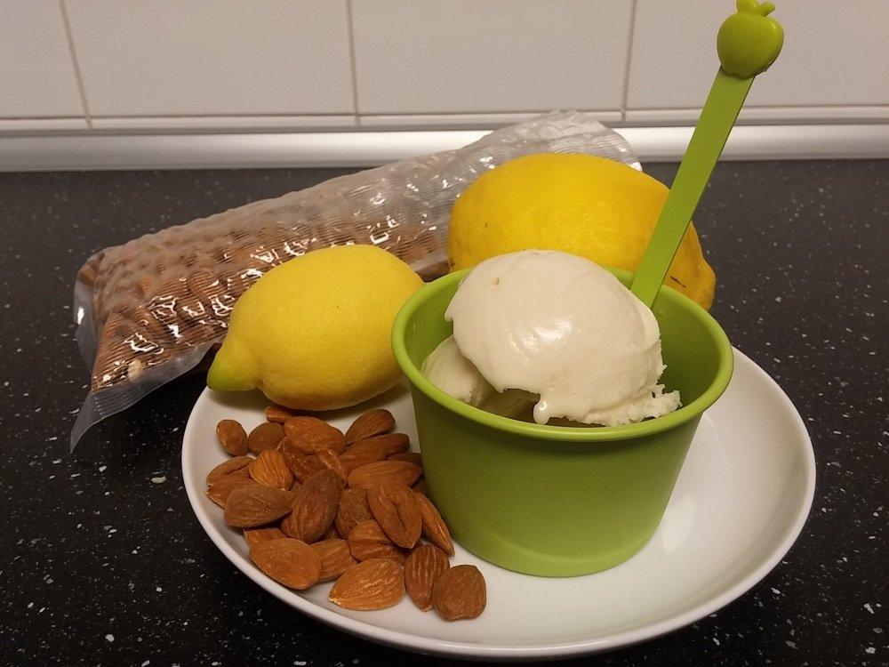 Sorbetto-mandorle-succo-limoni-costa-di-Amalfi